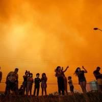 Los incendios en Quilpué causan graves daños y obligan a evacuar a 25 mil personas
