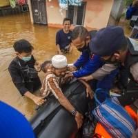 En Indonesia 20 Mil personas desplazadas por las inundaciones en Kalimantan del Sur