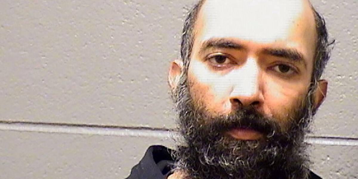 Arrestan a hombre que se escondió en aeropuerto de Chicago