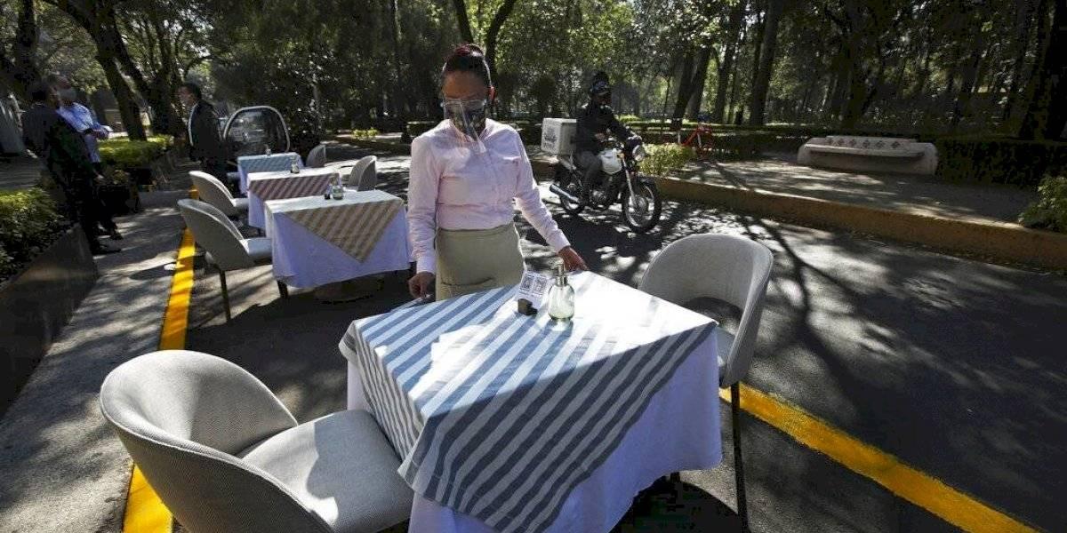 FOTOS: Restaurantes se apoderan de las calles para reabrir en la CDMX
