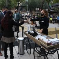 En CDMX, más de nueve mil restaurantes reabrieron en terrazas