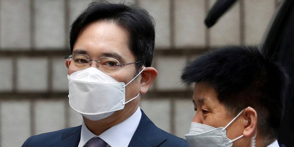 Heredero de Samsung es sentenciado a 2,5 años en prisión por malversación