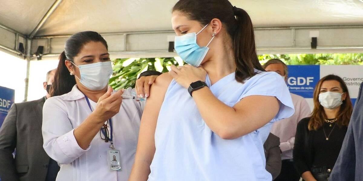 Mais equipamentos públicos passam a receber vacinação em SP; confira