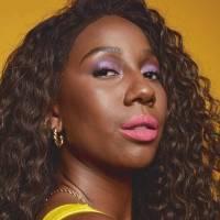 Aprenda como fazer a maquiagem super colorida da influenciadora Camilla de Lucas
