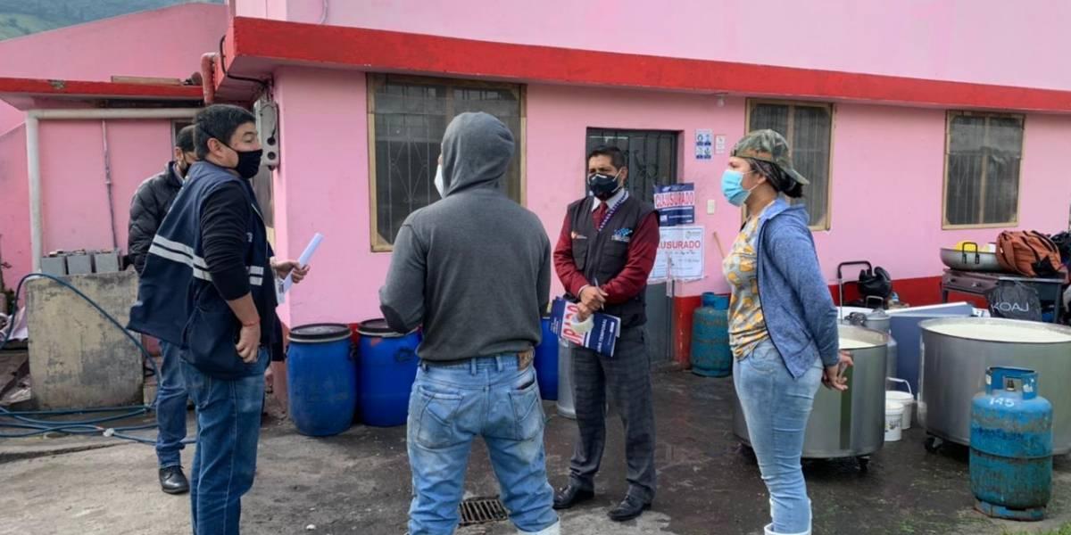 Arcsa y Agrocalidad clausuran planta de lácteos en Quito
