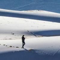 Asombrosas imágenes de la nevada en el desierto del Sahara