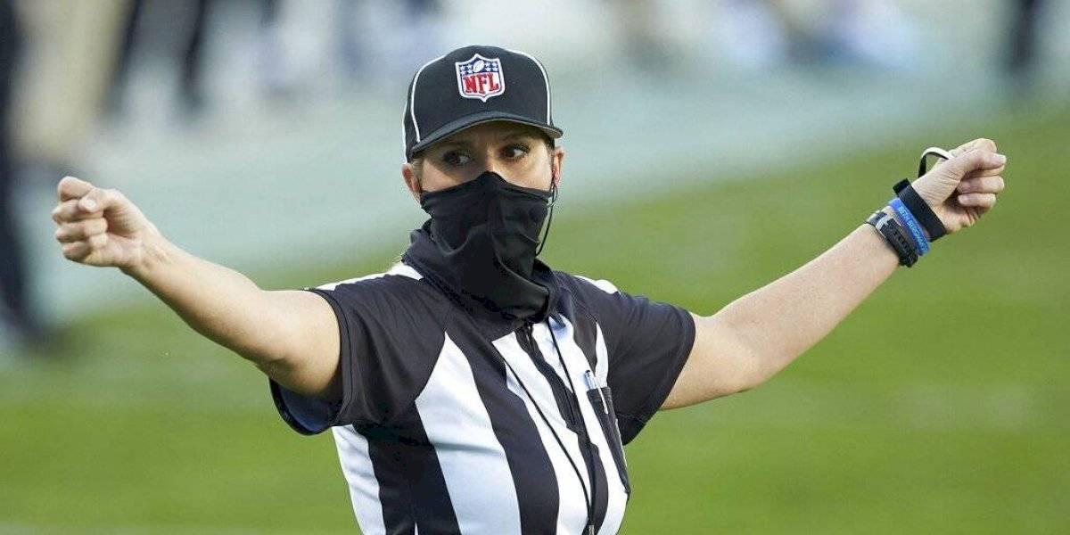 Super Bowl tendrá por primera vez una mujer entre su equipo de árbitros