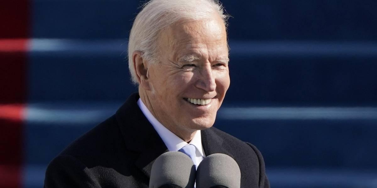 Biden firma 17 órdenes ejecutivas en su primer día como presidente