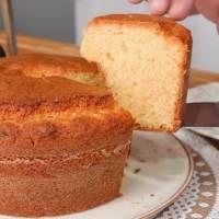 Receita prática de bolo de trigo para fazer em casa facilmente; fofinho e delicioso