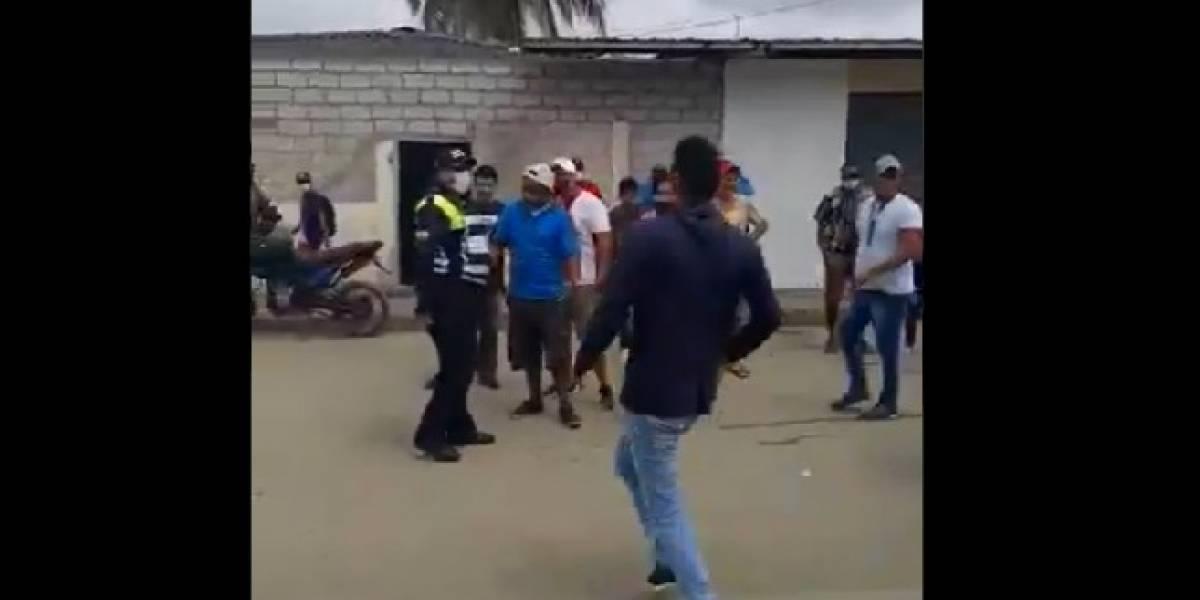 """Playas: Gresca entre de la CTE y conductores; reclamaban """"abusos"""" de los uniformados"""