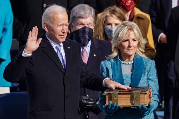 Joe Biden durante su juramentación.
