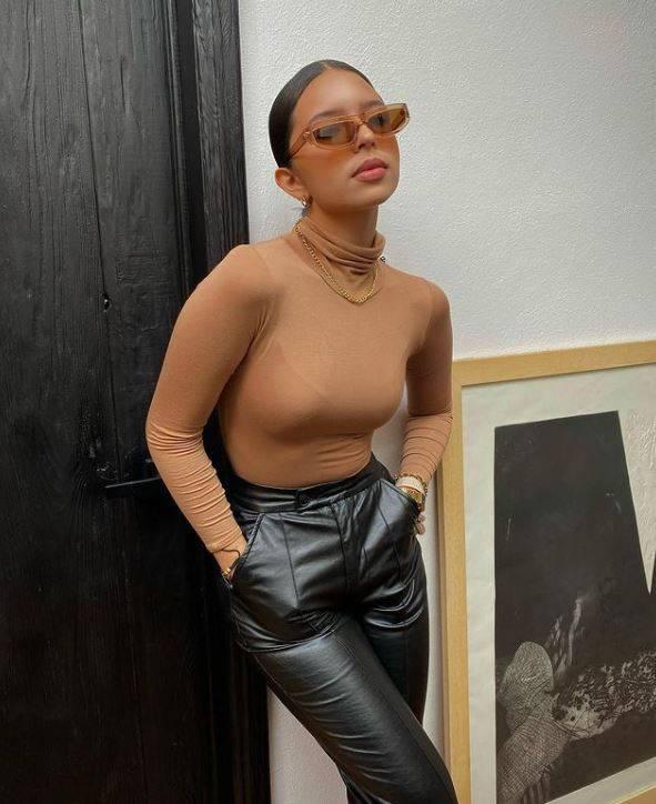 Ángela Aguilar da una lección de moda