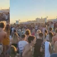 ¿Y dónde quedó el Covid? Graban batalla campal en una playa de Argentina