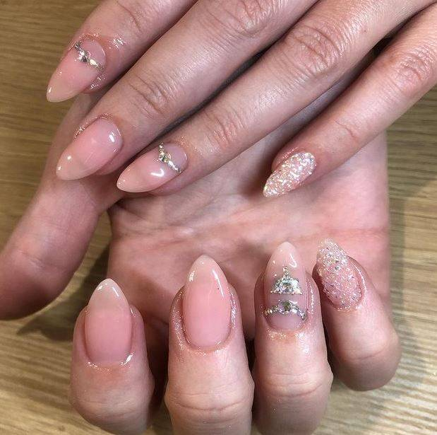 Diseños de uñas delicadas
