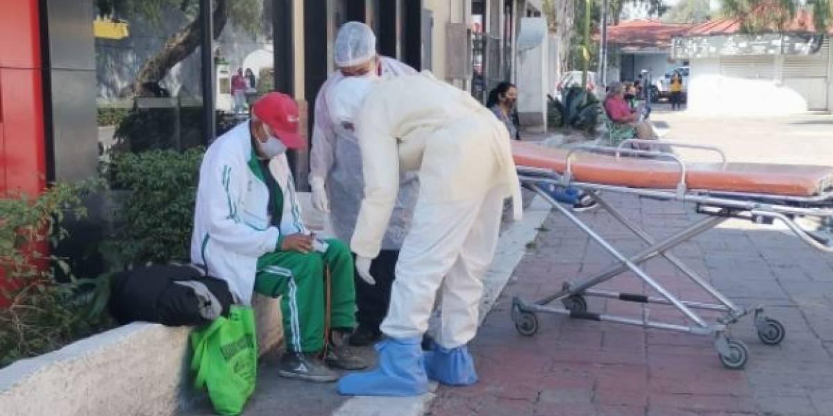 Indignante! Abuelo es abandonado tras presentar síntomas de coronavirus
