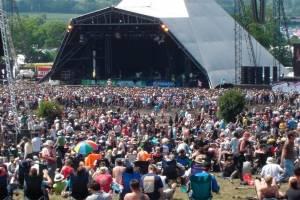 Covid-19obriga organizadores a cancelaremo famoso festival de Glastonbury