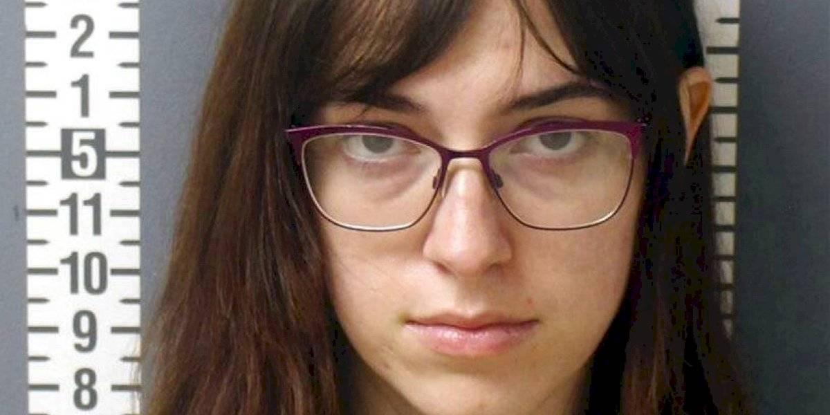 En libertad mujer acusada de ayudar a robar laptop de Pelosi durante ataque terrorista al Capitolio