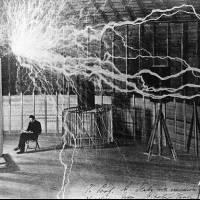 ¿Qué era el Rayo de la muerte diseñado por Nikola Tesla?