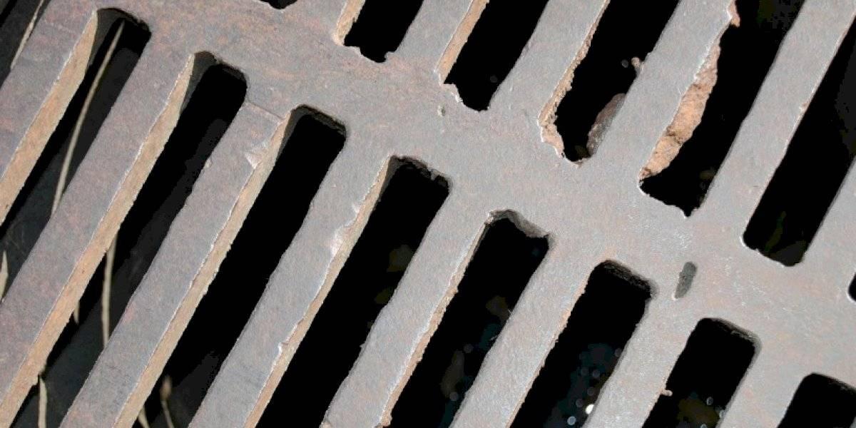Empleado de Obras Públicas cae por una alcantarilla en San Lorenzo