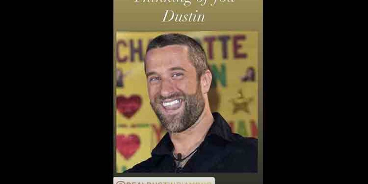 """Protagonistas de """"Salvados por la campana"""" envían mensajes a Dustin Diamond"""