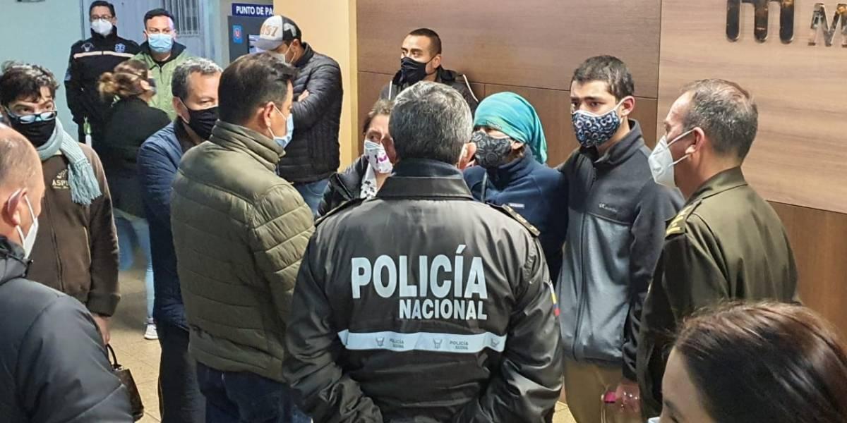 El Ministro de Gobierno y el Comandante se pronuncian sobre enfrentamiento entre policías y delincuentes en Quito