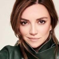Regina Blandón lleva el pantalón verde militar que será tendencia en primavera