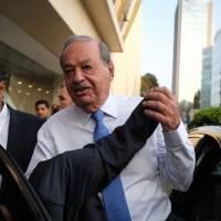 Carlos Slim tiene Covid-19; lleva más de una semana con síntomas