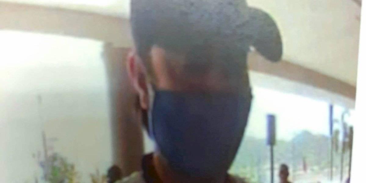 Buscan sospechoso de robar $20 mil de tarjeta de un anciano en Caguas