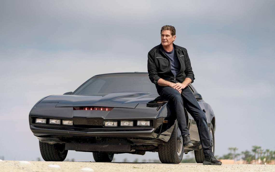 El actor David Hasselhoff, quien posee su propia réplica de este mítico automóvil ahora lo saca la venta