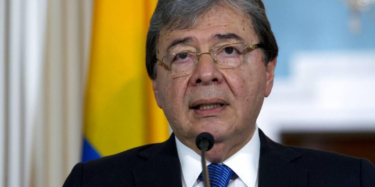 Muere por Covid el ministro de Defensa de Colombia