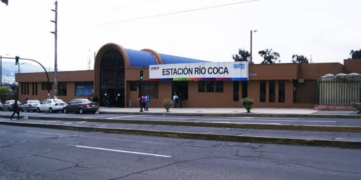 Mujer murió atropellada por un bus en la estación Río Coca, norte de Quito