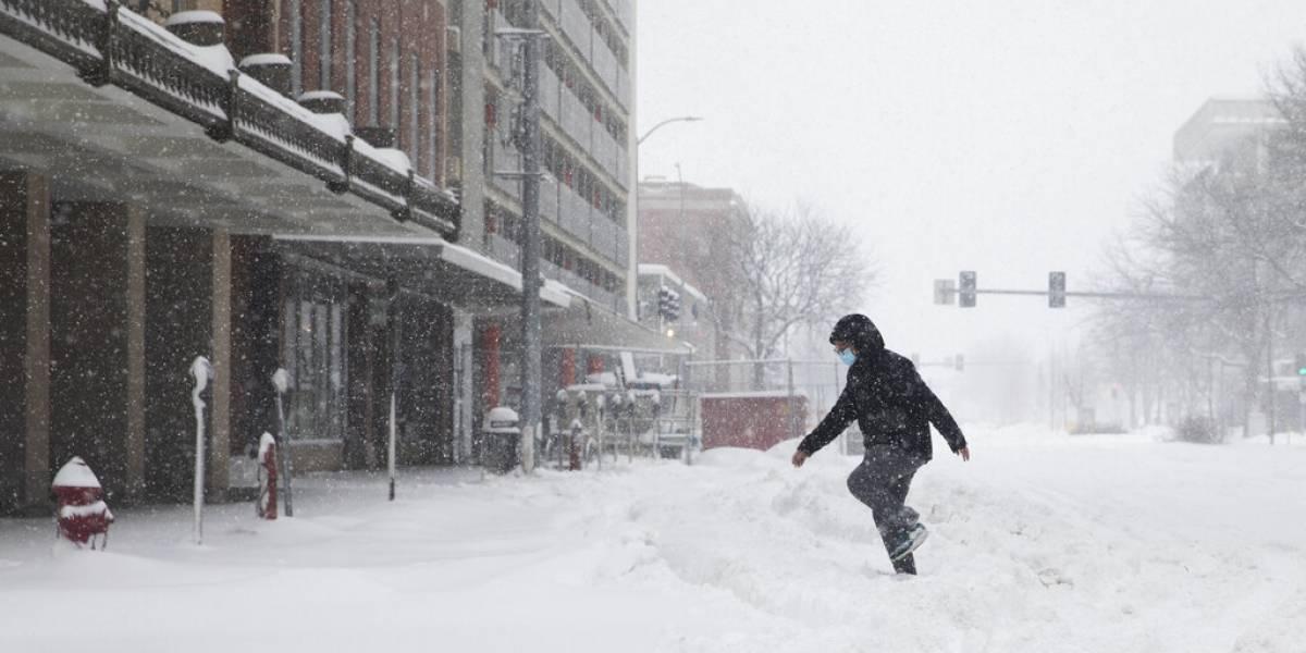 Tormenta invernal provoca intensas nevadas en el norte de Estados Unidos