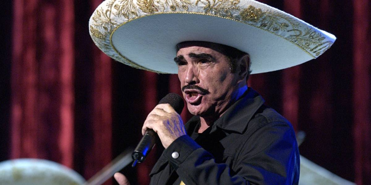 Vicente Fernández se pronuncia tras filtrarse videos tocando a mujeres de forma inapropiada
