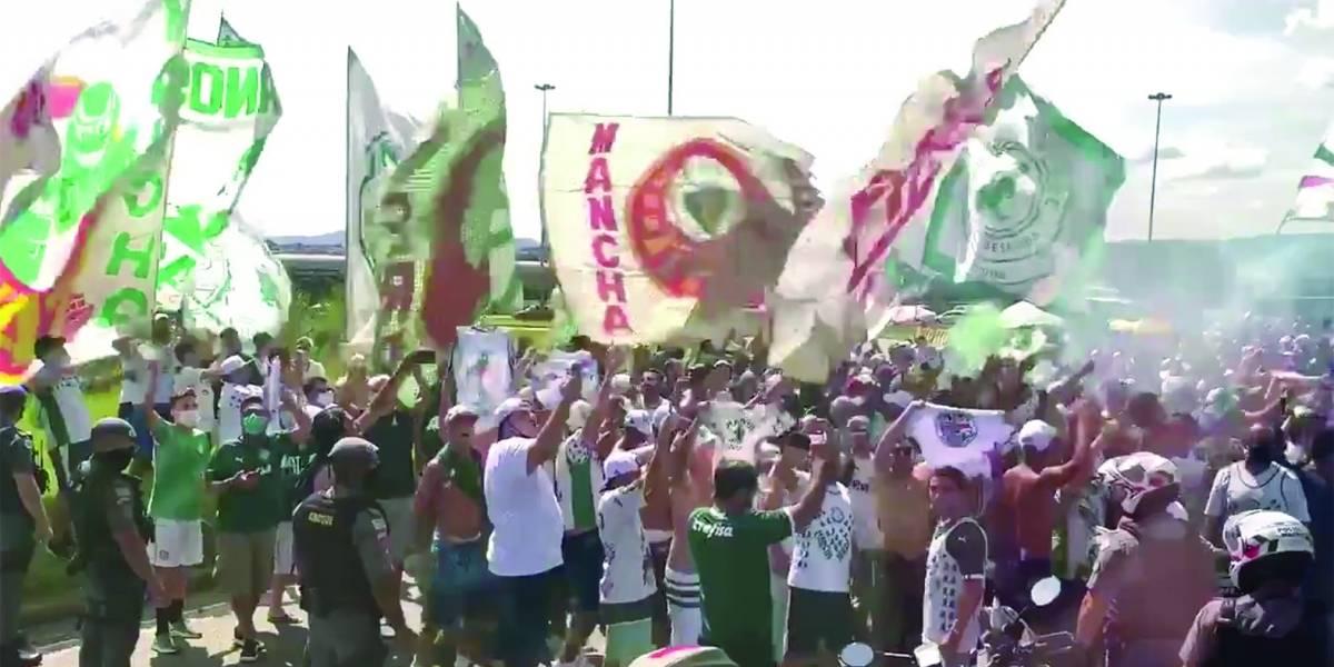 Libertadores: Palmeiras e Santos deixam São Paulo sob festa das torcidas