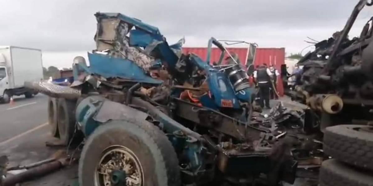 Fatal accidente de tránsito en la vía Nobol-Daule deja fallecidos y heridos