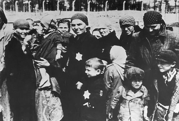 Prisioneros de Auschwitz.
