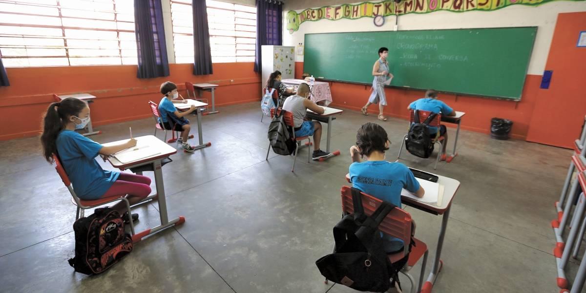 Justiça suspende volta às aulas presencial em São Paulo