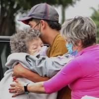 CDMX: Hasta un millón de adultos mayores afectados si suspenden vacuna AstraZeneca