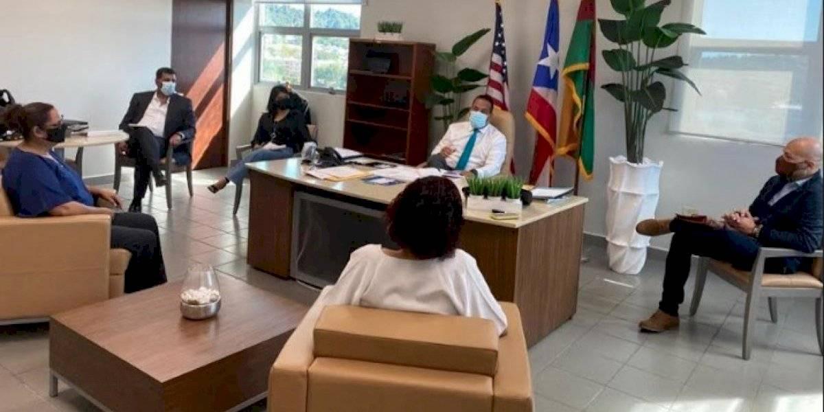 Alcalde de Humacao busca adiestrar a empleados en lenguaje de señas