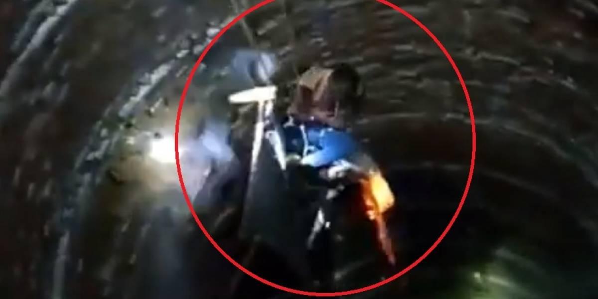 VÍDEO: Após quase ser resgatada, mulher cai novamente em poço; veja