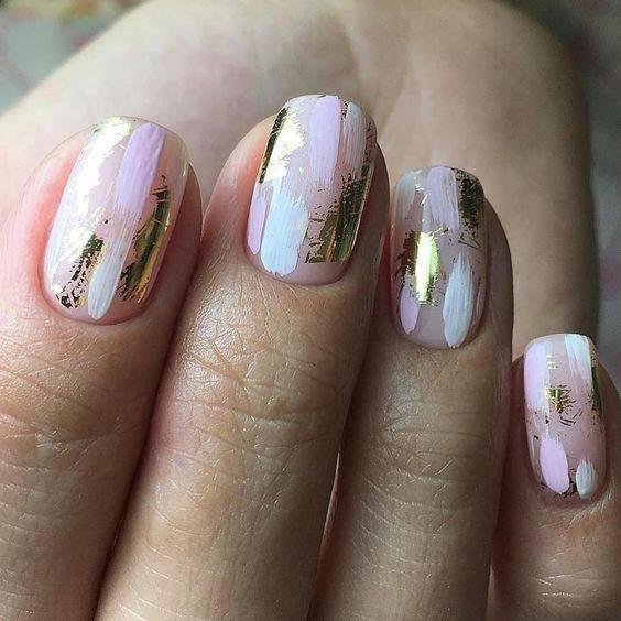 diseños de uñas con foil