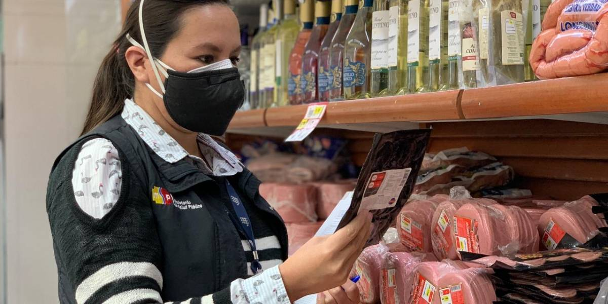Arcsa realiza controles de publicidad en Quito