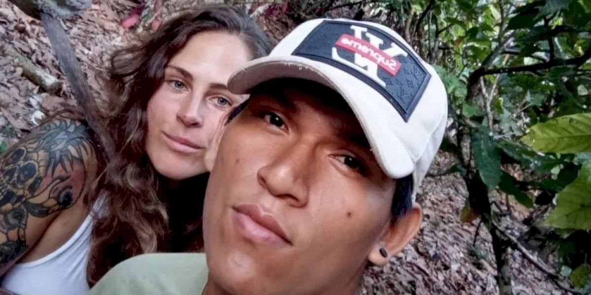 Británica de 33 años se enamoró de joven de 19 años y dejó todo para vivir en plena selva amazónica