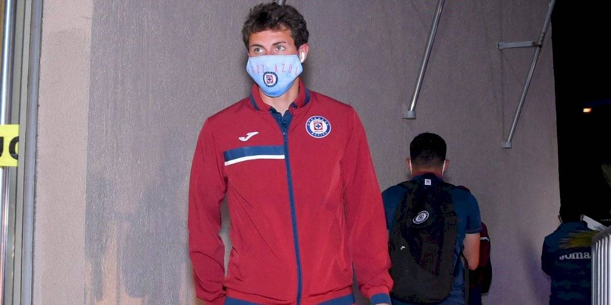 Cruz Azul prohíbe a sus jugadores fotografiarse con aficionados
