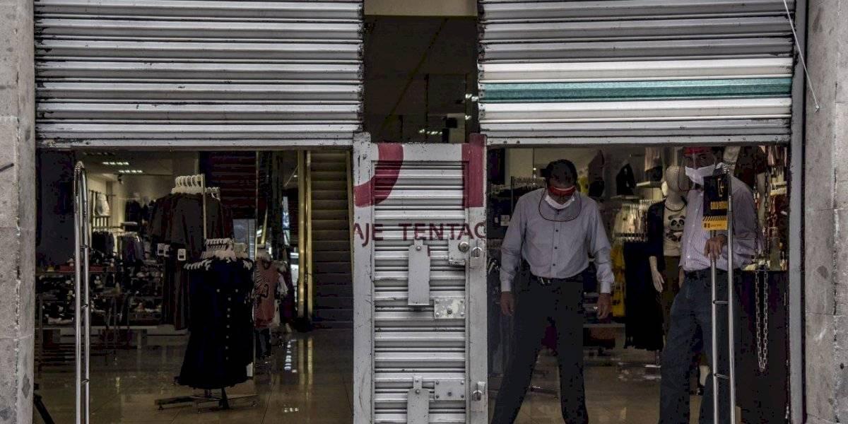 En semáforo rojo, CDMX permite reapertura de comercios no esenciales