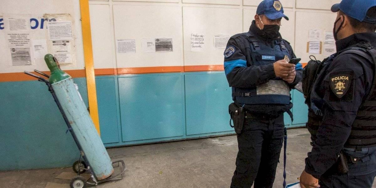 Asaltan local de venta de oxígeno en CDMX; hay tres detenidos