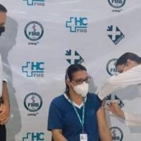 São Paulo desiste de usar estoque de vacina na aplicação da 1ª dose
