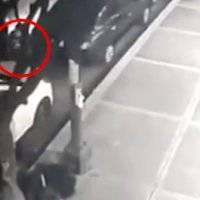 Policías acusados de robar computadora de auto se defienden con otro video