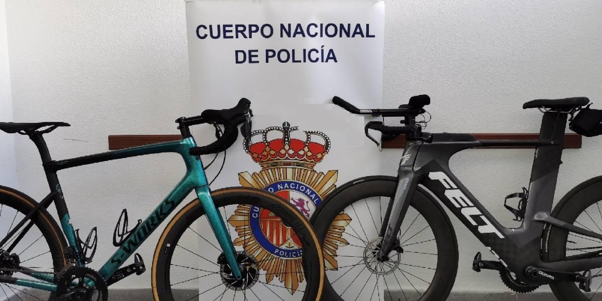 Argentina.- Tres detenidos en Marbella por robar de una vivienda de Puerto Banús dos bicicletas profesionales