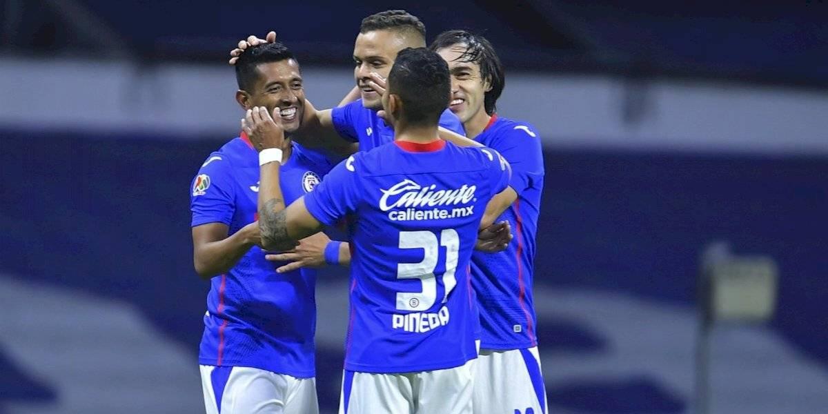 Cruz Azul golea al Querétaro en el Estadio Azteca